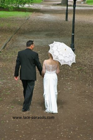Romantic Wedding Couple/Wedding Parasol