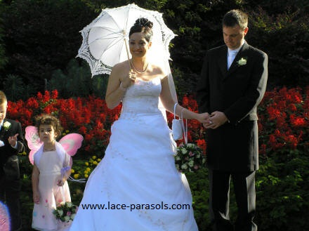 Virginia parasol in white